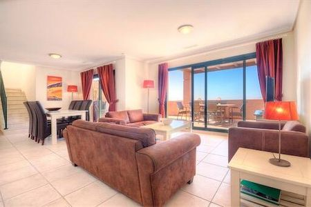 Wonderful Apartment with Communal Pool