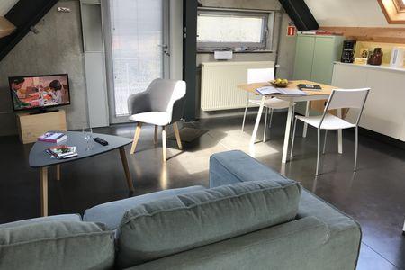 Gemeubelde studio in Sint-Denijs-Westrem