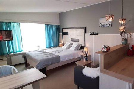 A lovely modern apartment near the beach
