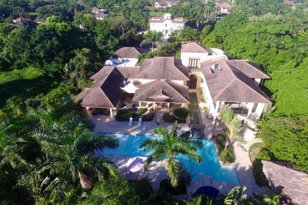 Luxury Villa in Sea Horse Ranch nearby the beach