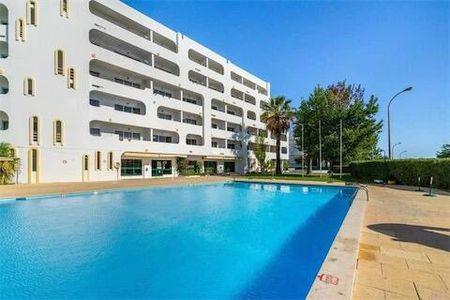 Ruim 6 pers appartement met zwembad