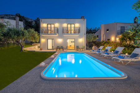 Nefeli Luxury Green villa